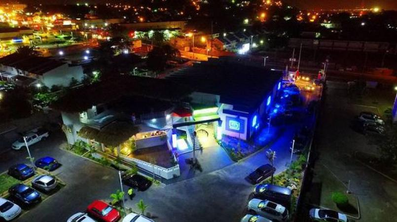 """Jamaicans go from 0 to """"100"""" with new Hope Road hot spot 
