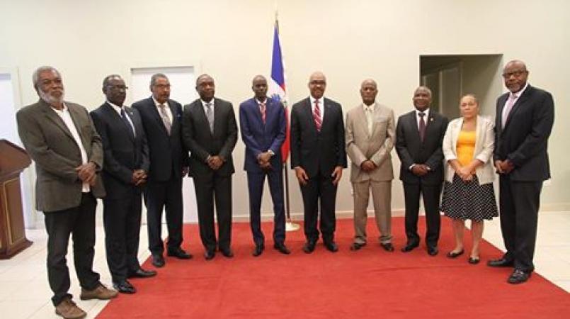Reconstruction en vue du palais national — Haïti